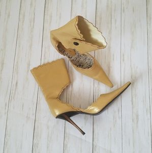 Shoes - BRONX Pearl Yellow Gold Shoe Boot
